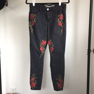 30 Hippie Laundry black floral embroidered jeans
